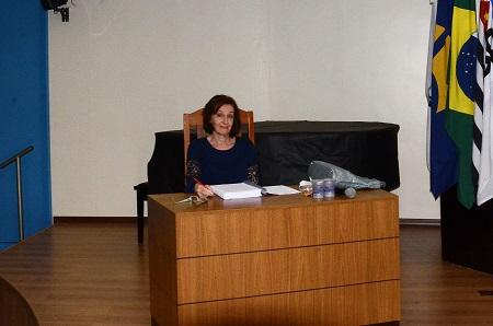 professora-tamara-beres-l-goldberg_site.jpg